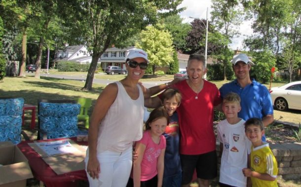 Beaconsfield family make lemonade for fun and fundraising