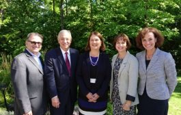 Federal Minister of Health Dr. Jane Philpott visits West Island Palliative Care Residence