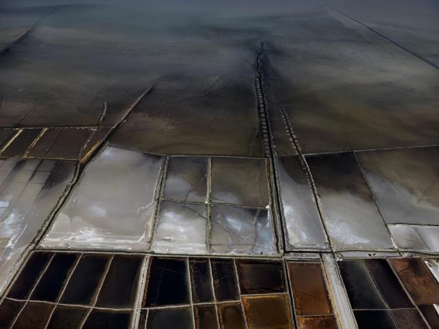 Edward Burtynsky Salt Pans n°21, 2016 Little Rann of Kutch, Gujarat, India,