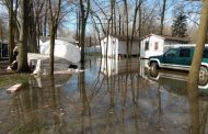 Lake Saint- Louis water levels on the rise again due to heavy rain - Montreal Fire Department