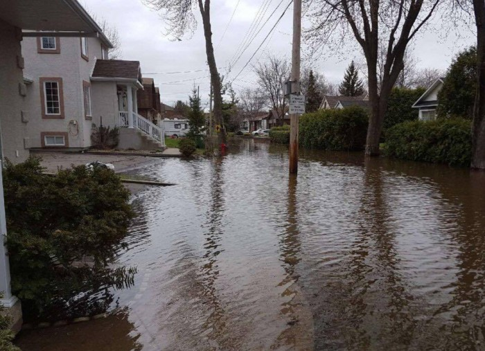 Services available to Pierrefonds residents during flood