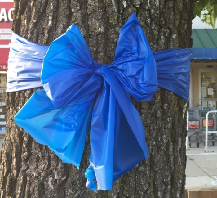 Tie a blue ribbon in solidarity for our flooded neighbours #flood2017