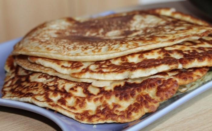 Fluffly Buttermilk Pancakes, weekend brunch, breakfast, West Island Blog, Rhonda Massad, summertime,