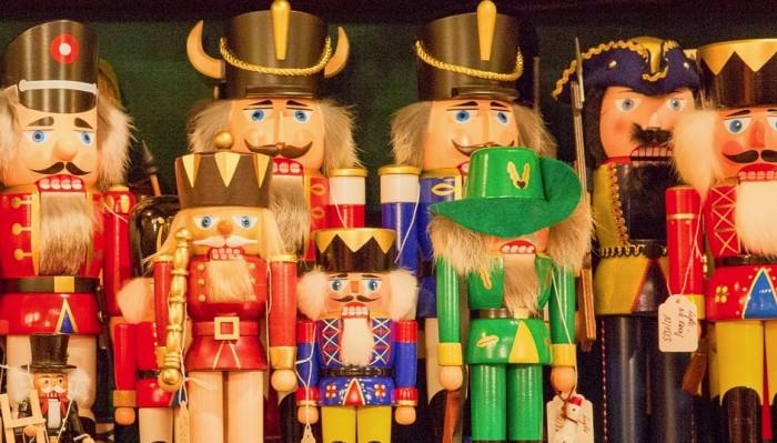 Holiday spirit,Dorval Museum, Christmas Trees, Model trains, storytelling, Culture, Dorval, West Island Blog, Rhonda Massad, News, West Island News