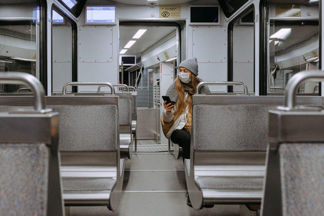 woman-wearing-mask-on-train
