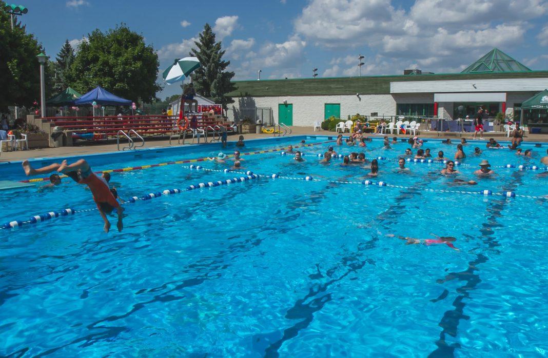 Dorval pool aquatic centre Surrey summer swimming kids fun water