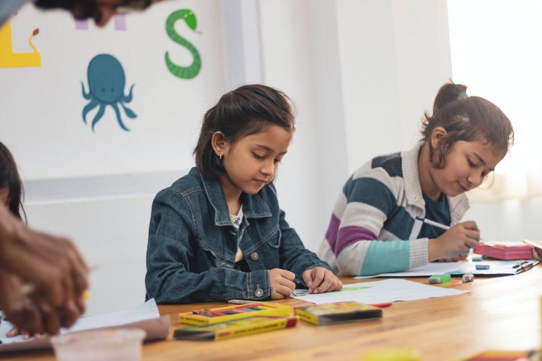 September Quebec school reopening