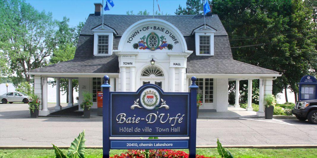 Baie-D'Urfé-mayor-resigns-hotel-de-ville-town-of-baie-d'urfe