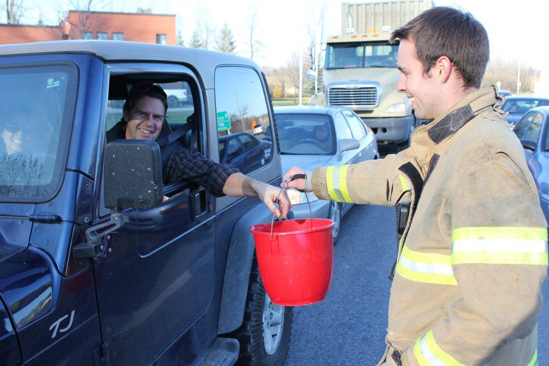 Roadblock-Fundraising-Sainte-Anne-de-Bellevue-Guignolée_4 décembre 2011 027