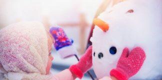 Kirkland-snow-sculpture-challenge-girl-making-snowman